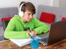 Teachers offer free online tutoring