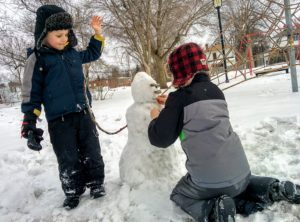 Kids can enter snowman-building contest